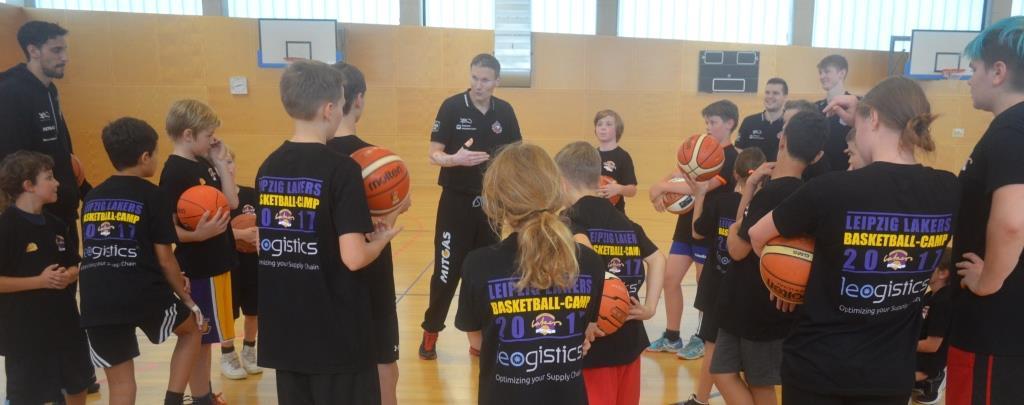 Tomas Grepl und die Spieler des MBC zu Gast beim Camp